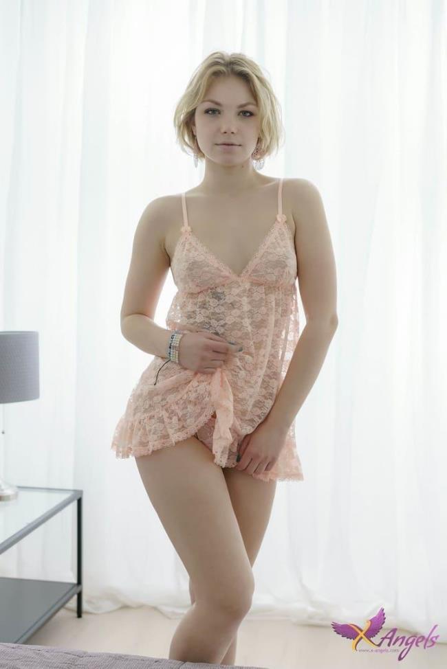 Carolin – Charming blonde satisfies lad totally (X-Angels.com/TeenMegaWorld.net/2019/HD1080p)