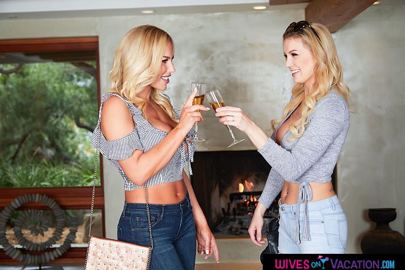 Kenzie Taylor, Olivia Austin – Brenda and Nicole (Kenzie Taylor & Olivia Austin) get one big cock (naughtyamerica.com/2019/480p)