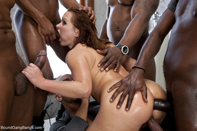 Katja Kassin – Sexy Business Lady gets Overpowered and Gang Banged in a Public Restroom by Big Black Cocks (BoundGangBangs.com/Kink.com/2019/HD)