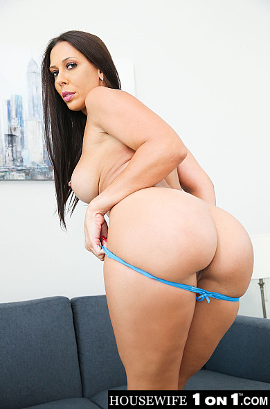 Rachel Starr – Kassandra Kelly (Rachel Starr) takes care of her husband's needs (naughtyamerica.com/2019/480p)