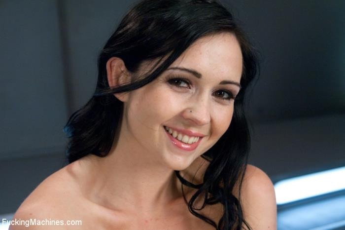 KINK – Angell Summers – Our French Beauty Returns for More Crying, Full Release Orgasms (FuckingMachines/Kink/2019/HD)