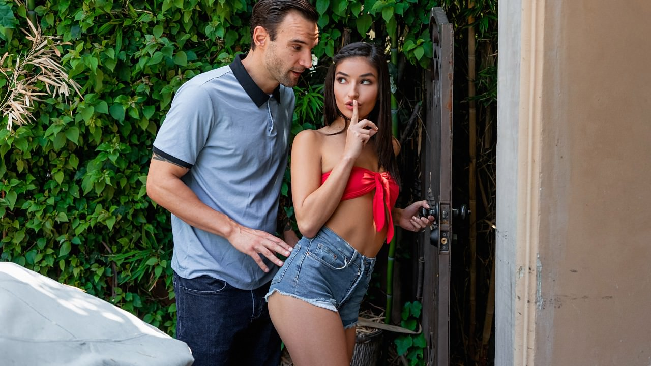 Emily Willis – Naughty At The Neighbors (SneakySex/RealityKings/2019/HD1080p)