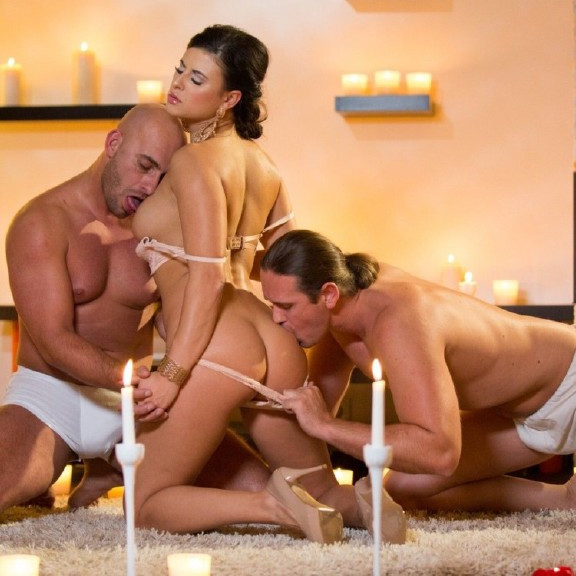 Billie Star – Billie Gets Laid by Two Men at the Same Time in a Candle Lit Room (Private.com/2019/HD)