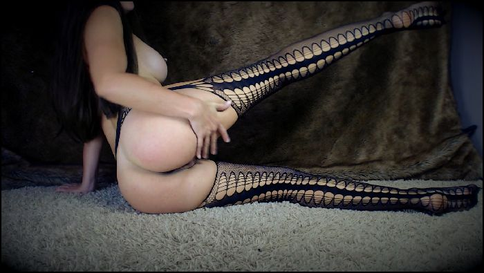 secret girlfriend booty shaking butt and legs tease 2019 02 08 UTxem1 Preview