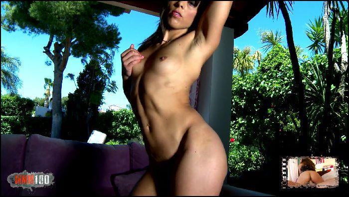 mmm100 – horny milf striptease (manyvids.com)