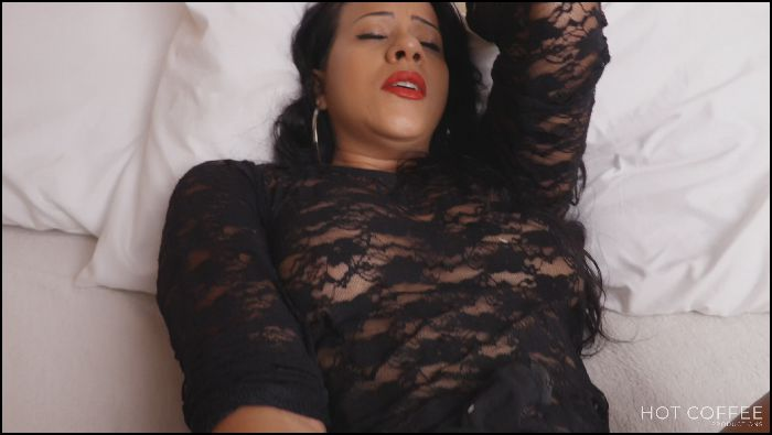 jolla pr playing with a pulsating dildo 2019 10 06 gBHQIn Preview