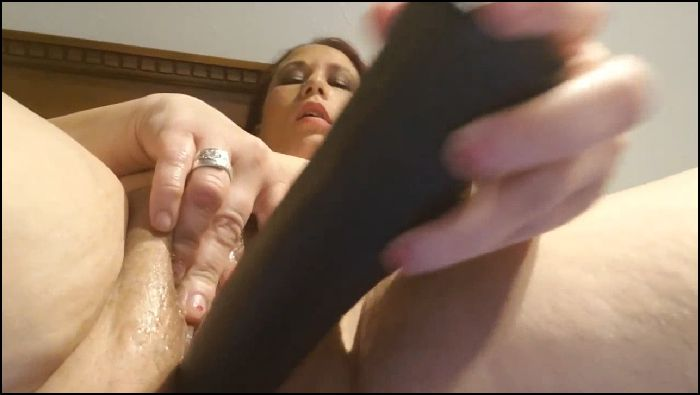 yourhotmom fucking a bat first time 2019 10 06 V1oc68 Preview
