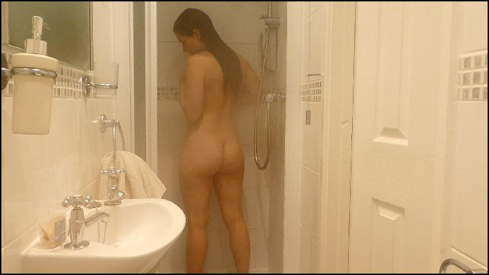 littletabby tabbys holiday enjoying the hotel shower 2018 12 10 0EQsZz Preview