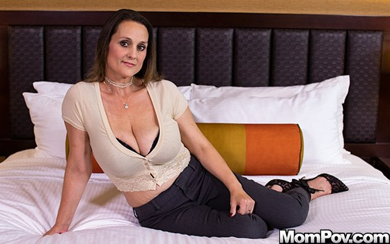 Kara – Big ole titties Milf next door (MomPov.com 2019 HD1080p)