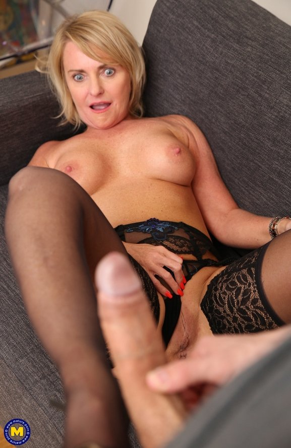 Cintya Aston EU 51 – This naughty Mature slut from Belgium is in need for a hard throbbing cock to suck and to fuck Mature.nl 2019 HD1080p