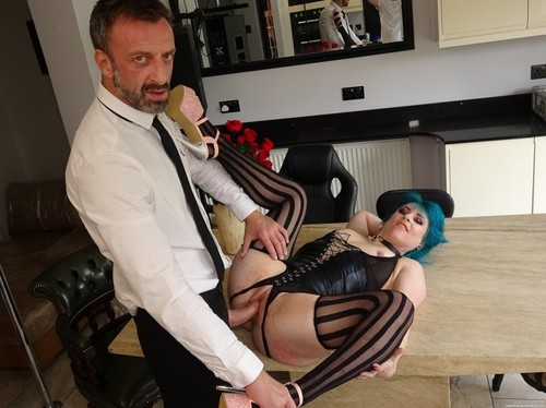 Roxxie Sweethart – Yorkshire Filth (PascalsSubSluts 2019 HD)