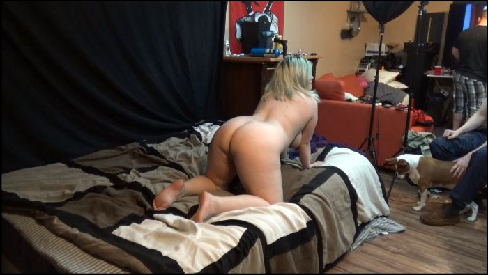 twelveknot bunny posing on the bed 2019 02 02 szmYcS Preview