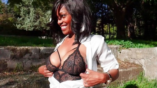 Serenna – Serenna, 35 years old, sublime legal secretary! (JacquieetMichelTV.net 2019 SD)