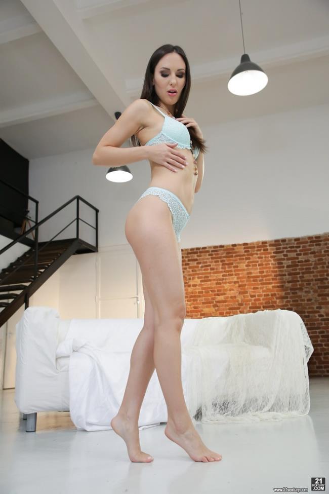 Lilu Moon – Pretty Feet (FootsieBabes.com 21Sextury.com 2019 HD1080p)