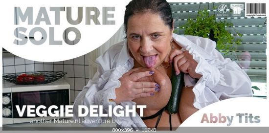 Abby Tits (EU) (53) – Abby Tits loves to eat her veg with her pussy! Watch this amazing solo mature porn video in full HD on mature nl today! (Mature.nl 2019 480p)