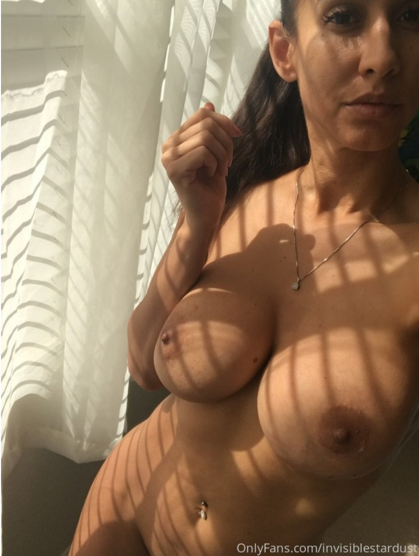 Isis Azelea aka InvisibleStardust 1409 - onlyfans - Megapack