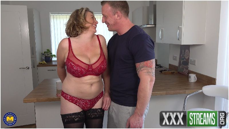 Camilla C EU 45 - Naughty British housewife has hot date after doing some sexy shopping Preview