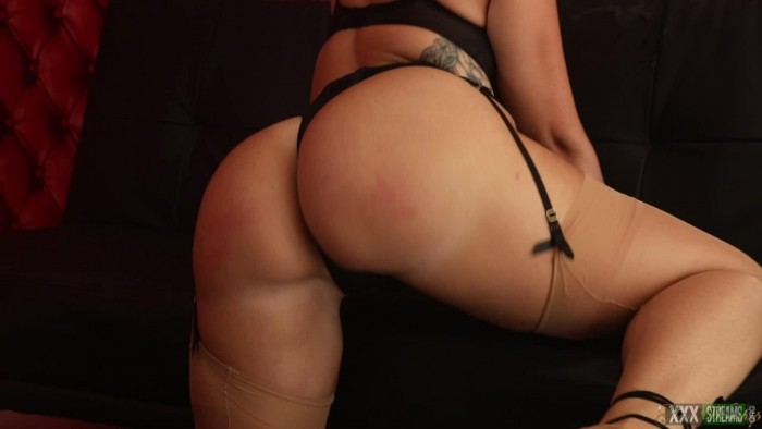 Paige turnah ass