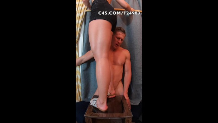 clips4sale – The Fetish Couple – Crushed On The Glass Box – Front Angle