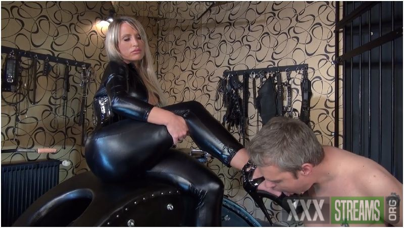 The Highheels And Ashtray Slave Preview