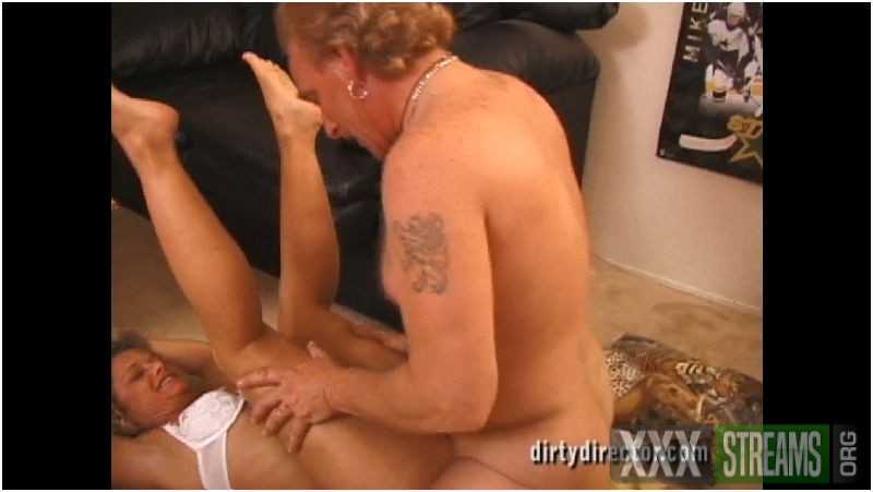 Suzy Lou and Simpleigh D'Licious - Swinging At The Crib Preview