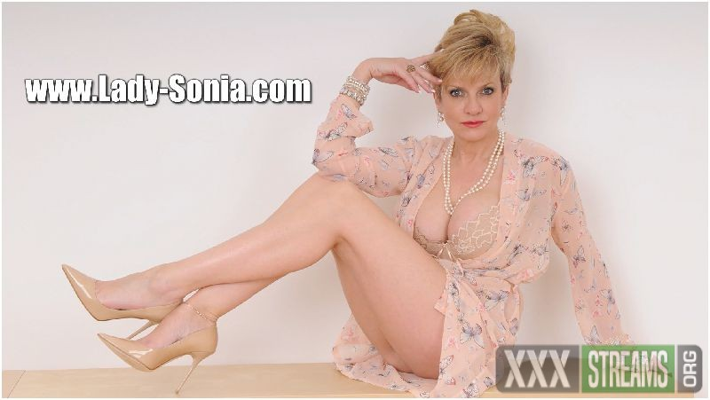 new, mature - 2895 Lady Sonia My First Video Fun Of The Summer Preview