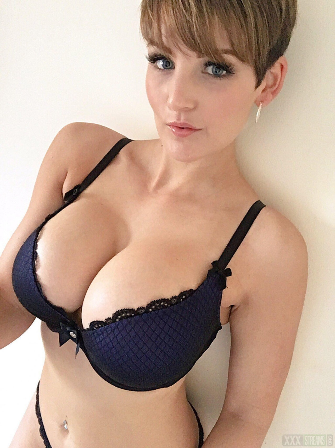 Hannah Brooks Pornstar