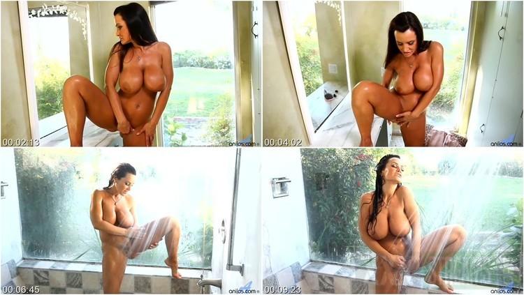 Shower lisa ann New Lisa