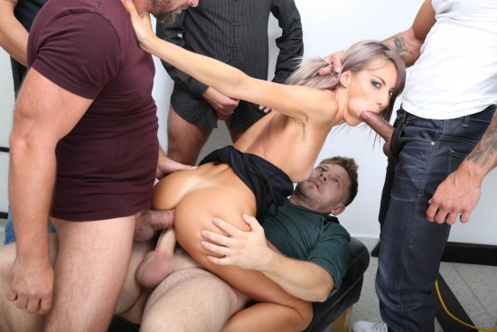 Vicky Sol – In Control, Vicky Sol Rules the Stage with Balls Deep Anal, Big Gapes, Creampie