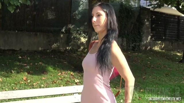 JacquieEtMichelTV presents Analeya 19 Waitress In Perigueux 21.09.2020.mp4.00001
