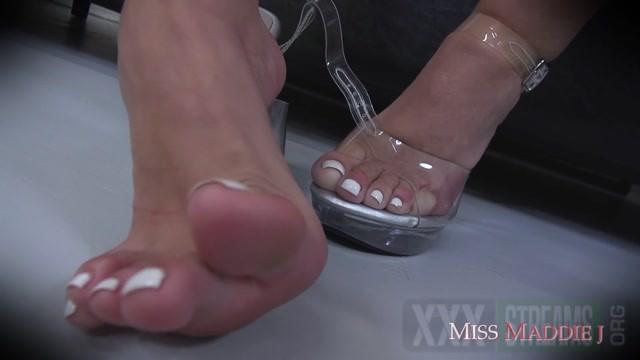 Miss Maddie J latina foot worship miss maddie 10.09.2020.mp4.00009