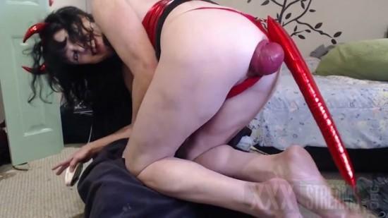 DGG Devil girl huge anal prolapse stretching.mp4.00013