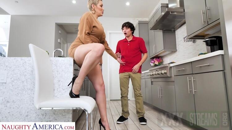 Maria Menendez Makes The Delivery Boy A Cock Sandwich .mp4.00000 l