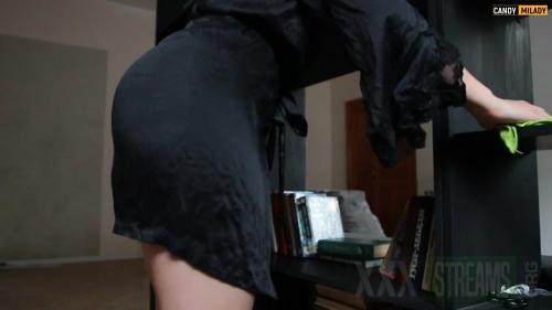 153457916 hot stepmother stuck she specially doesn t wear panties mp4 00000
