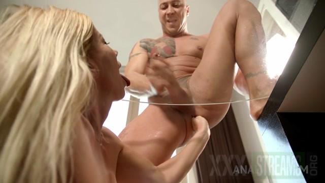 LLara De Santis pegging dildo DAP foot in her boyfriends ass.mp4.00015