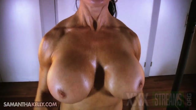 Samantha Kelly Serious Flexing Topless.mp4.00002