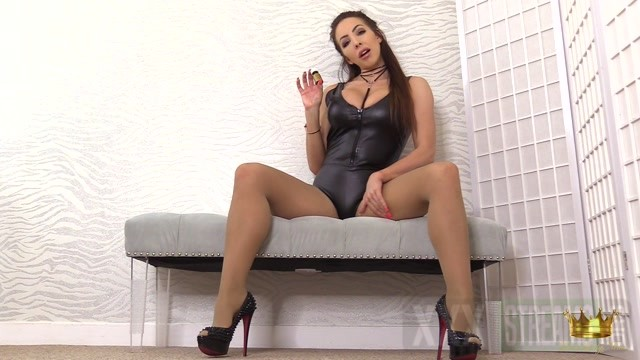 Lady Nina in Sniff pay and throb at my heels 22.22 Premium user request .mp4.00000