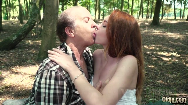 Oldje 699 Candy Red Lost In The Forest.mp4.00002