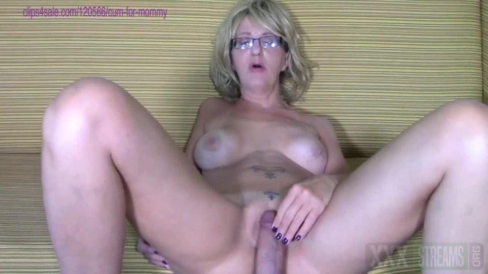 Mommy Julie Porn