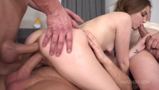 [legalporn.com] Teen Bella Grey Double Penetration – Screaming Hard Fucking in The Ass – Anal Squirt VK034 (2021)