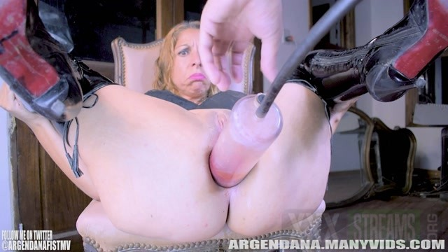 ArgenDana PUSHING PROLAPSE OUT EVEN MORE 2 34.99 Premium user request .mp4.00007