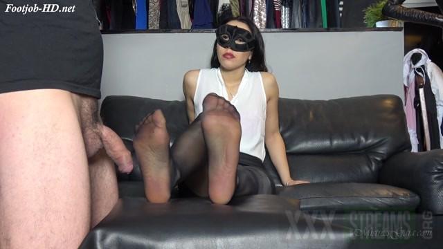 Mistress Gaia Black Silk Orgasm.mp4.00000
