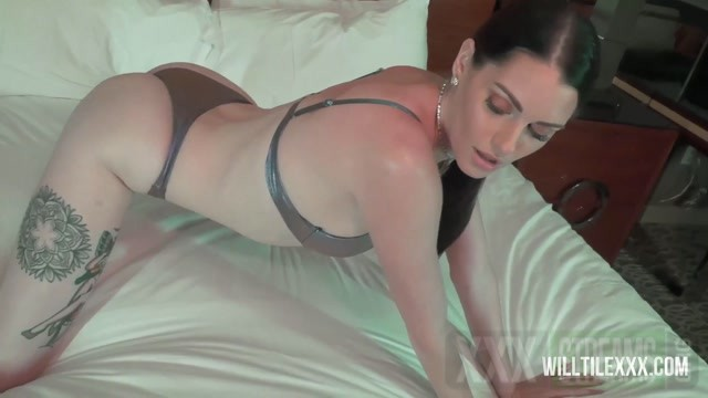 WillTileXXX Will Tile The Horny Housewife Starring Aria Khaide.mp4.00000