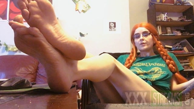 pink pagan Foot Fetish Degration Pt. 4 ManyVids.mp4.00014