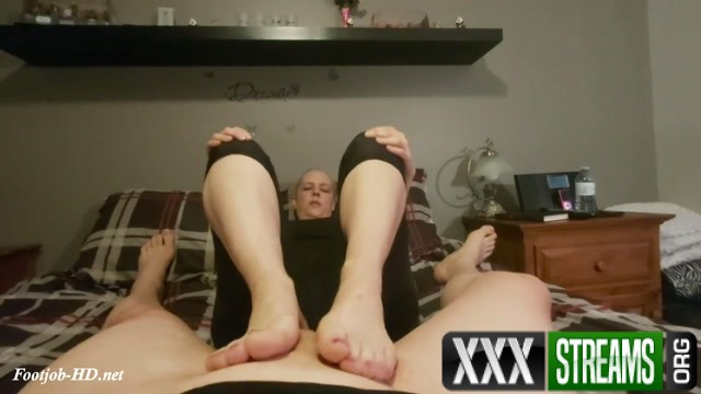 Stinky Sweaty Footjob Tiffany Lynne 00002