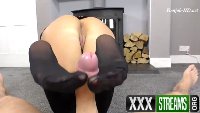 Step Mom Gives You A Foot Fuck Cassie Clarke Leo Star 00007