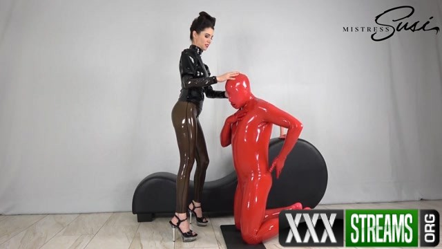 Mistress Susi s Fetish Clips Using the red gimp locked in latex and chastity 00001
