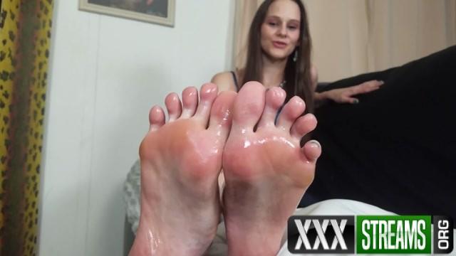 FootJob Katy Faery Perving On My Pedicure 00006