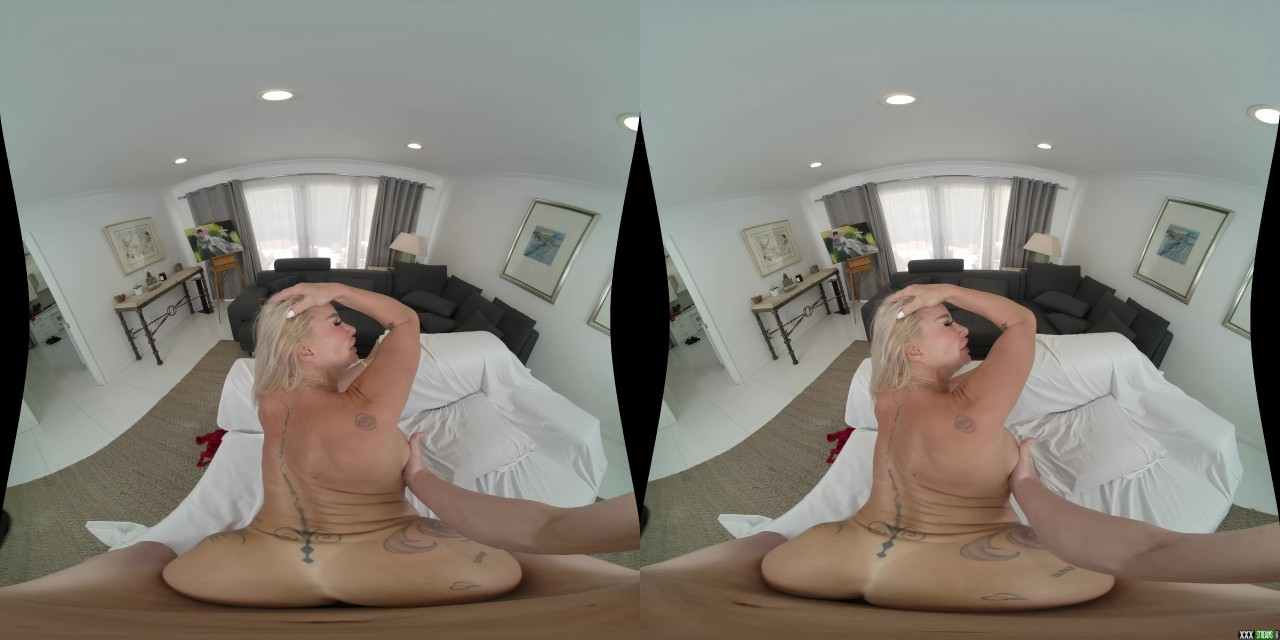 MilfVR – Stockings In VR – Robbin Banx (Oculus 7K)