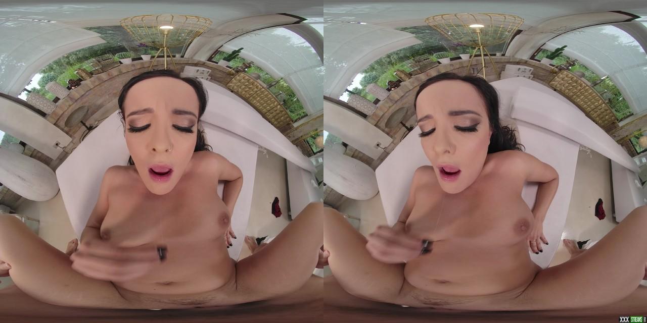 18VR – When It Rains It Pours – Dolly Diore (Oculus 5K)